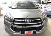 Bán xe Toyota Innova 2.0E đời 2016, màu bạc, giá tốt