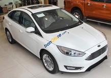 Bán Ford Focus Trend năm 2018, màu trắng, giá chỉ 595 triệu