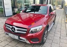 Cần bán xe Mercedes GLC250 năm sản xuất 2016, màu đỏ