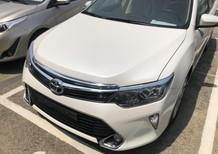 Bán Toyota Camry 2.0E 2018, xe đủ màu, giao ngay