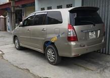 Bán Toyota Innova 2.0E năm sản xuất 2013, màu ghi vàng, giá tốt