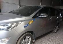 Chính chủ bán Toyota Innova sản xuất năm 2017, màu bạc