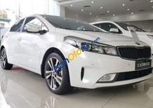 Bán Kia Cerato sản xuất 2018, màu trắng, nhập khẩu, giá tốt