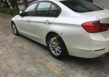 Cần bán gấp BMW 3 Series 320i năm 2013, màu trắng, xe nhập