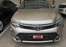 Bán xe Toyota Camry 2.0E đời 2018, màu nâu vàng, xe đẹp như mới, giá thương lượng với khách hàng thiện chí mua xe