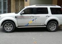 Cần bán gấp Ford Everest năm 2013, màu trắng số tự động giá cạnh tranh