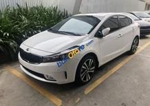 Cần bán xe Kia Cerato đời 2018, màu trắng, giá tốt