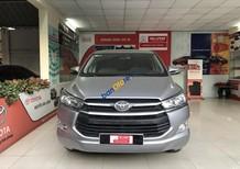 Cần bán gấp Toyota Innova E sản xuất năm 2017, màu bạc