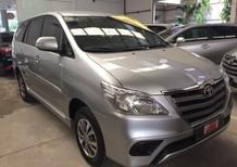 Bán xe Innova E số sàn, màu bạc 2016, liên hệ để được giá tốt