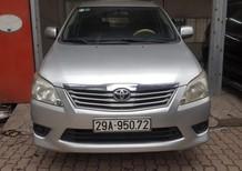 Cần bán lại xe Toyota Innova 2.0E đời 2013, màu bạc