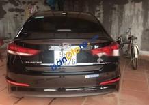 Cần bán xe cũ Hyundai Elantra đời 2018, màu đen