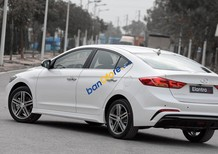 Cần bán xe Hyundai Elantra 1.6 tubor sản xuất 2018, màu trắng