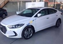 Cần bán xe Hyundai Elantra 2.0L năm sản xuất 2018, màu trắng