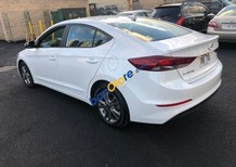 Bán Hyundai Elantra năm 2019, màu trắng