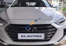 Cần bán Hyundai Elantra 1.6 MT sản xuất năm 2018, màu trắng, giá 549tr