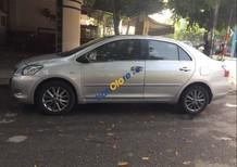 Cần bán xe Toyota Vios năm 2012, màu bạc