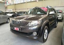 Bán Toyota Fortuner V 2013 (bản cao cấp), màu xám, đảm bảo chất lượng, hỗ trợ trả góp
