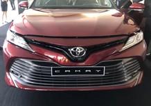 Bán Toyota Camry 2.0E đủ màu, giao ngay, KM cực sốc, hỗ trợ vay tới 80%