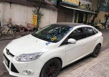 Xe Ford Focus Titanium năm sản xuất 2014, màu trắng, nhập khẩu