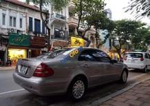 Cần bán Mercedes E240 sản xuất năm 2003, màu xám