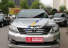 Cần bán xe Toyota Fortuner sản xuất 2015, màu bạc xe gia đình
