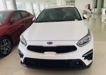 Bán ô tô Kia Cerato MT sản xuất 2019, màu trắng, giá cạnh tranh