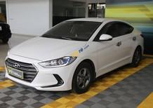 Xe Hyundai Elantra GLS 1.6MT sản xuất năm 2017, màu trắng