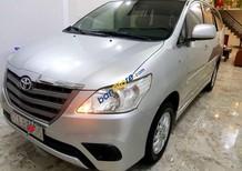 Cần bán lại xe Toyota Innova E sản xuất 2014, màu bạc chính chủ