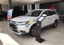 Cần bán Mitsubishi Outlander sản xuất 2019, màu trắng, giá tốt