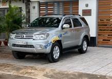 Cần bán xe Toyota Fortuner V sản xuất 2009, màu bạc