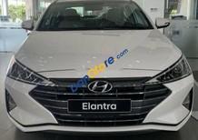 Bán ô tô Hyundai Elantra năm sản xuất 2019, màu trắng