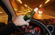Ngày Tết, uống bao nhiêu rượu bia sẽ bị phạt khi lái ô tô?