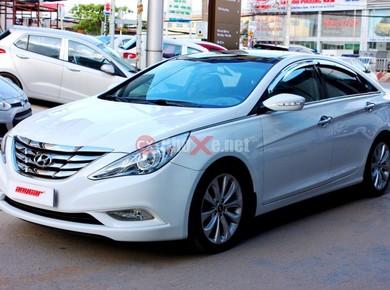 Bán gấp Hyundai Sonata 2.0AT đời 2011, màu trắng, nhập khẩu chính hãng