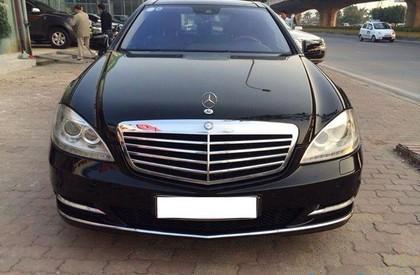 Cần bán Mercedes S500L năm 2010, màu đen, nhập khẩu nguyên chiếc, chính chủ