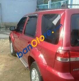Bán xe Ford Escape sản xuất năm 2011, màu đỏ như mới, giá tốt