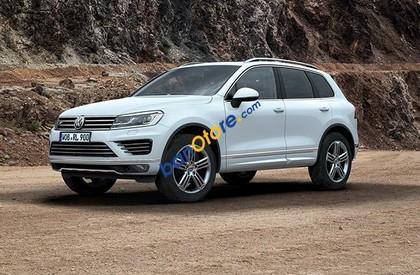 Bán ô tô Volkswagen Touareg GP sản xuất 2017, màu trắng, nhập khẩu nguyên chiếc