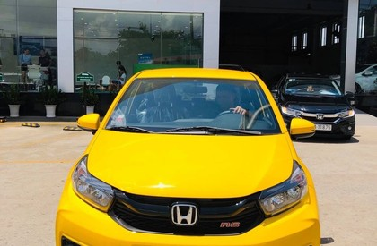 Bán Honda Brio sản xuất năm 2019, màu vàng, nhập khẩu, giá tốt