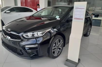 Bán ô tô Kia Cerato MT sản xuất 2020, màu đen giá cạnh tranh