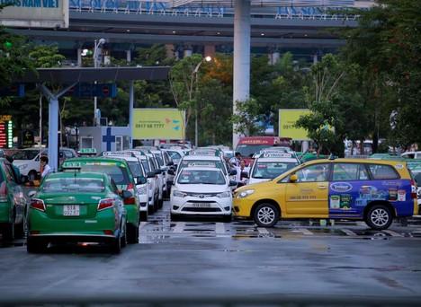 Đến 2025, tất cả ô tô đều phải lắp camera giám sát hành trình