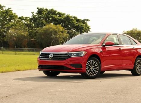 Đánh giá xe Volkswagen Jetta -  Thử sức xe nhập ở phân khúc sedan hạng C