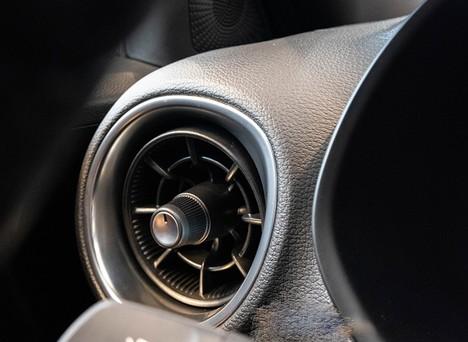 Bật điều hòa sưởi ấm trên ô tô không tốn xăng như bạn nghĩ