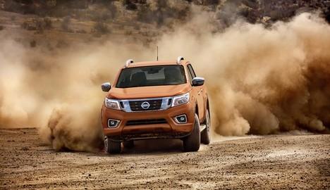 Bán tải Nissan Navara có giá bán mới tại Việt Nam