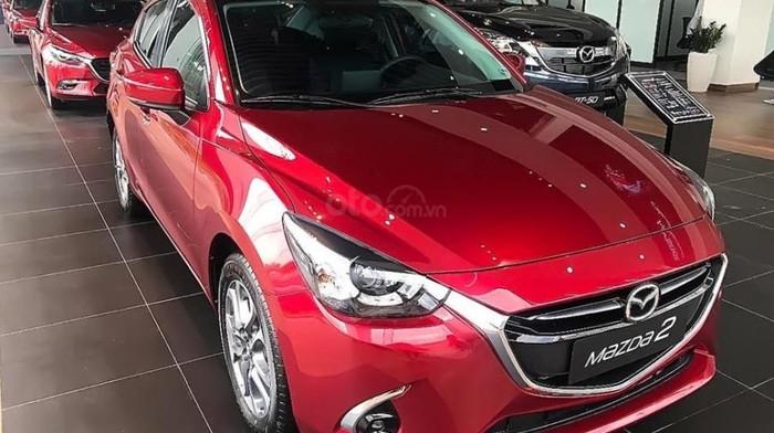 """Mazda2 2019 """"Đỏ Đam Mê"""" đã có hàng giao khách"""