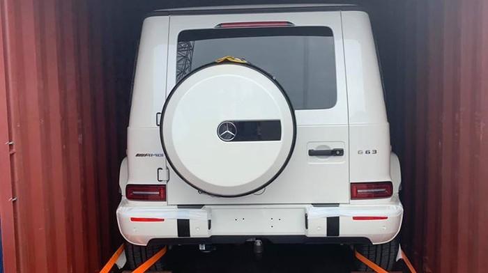 Ai là người sở hữu chiếc Mercedes-AMG G63 màu trắng thứ 2 tại Sài Gòn sau Minh Nhựa?